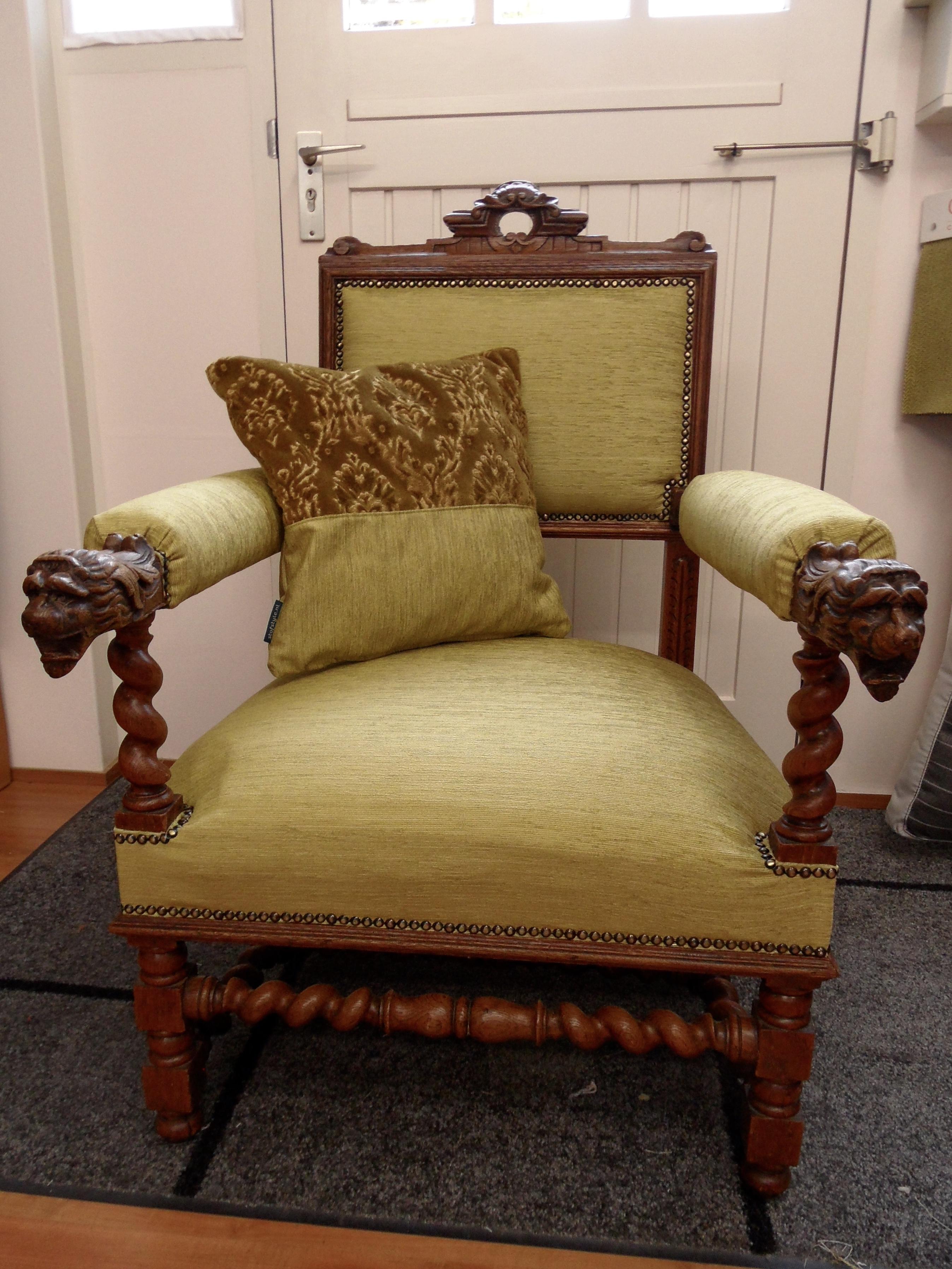 Leeuwenkoppen stoel